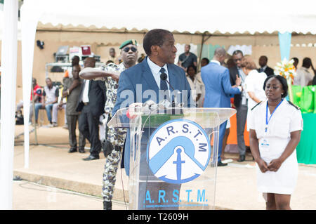 Abidjan, Ivory Coast - August 3, 2017: shoulder pad ceremony to students leaving the Maritime Academy. speech of the godfather at the meeting - Stock Image