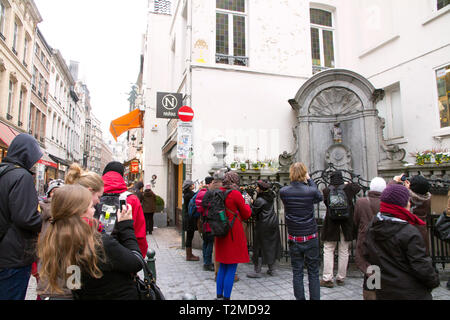 The famous Manneken Pis statue in Brussels Belgium - Stock Image