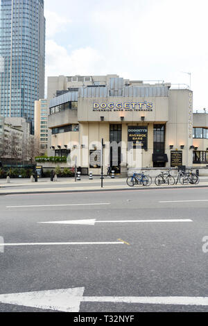 Nicholson's Doggett's Coat and Badge public house on Blackfriars Bridge Road, London, UK - Stock Image