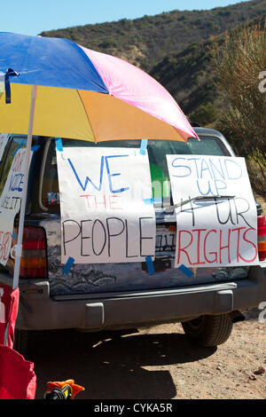 Californian Voters being urged to vote and make their voices heard, outside a polling station in Santiago Canyon, - Stock Image