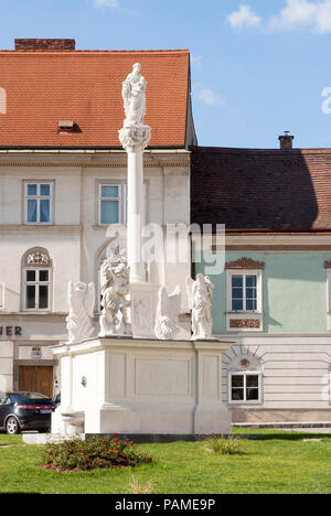 This Mariensäule (marian column) was erected in 1688 and is attributed to Andreas Krimmer. Krems old town, Lower Austria - Stock Image