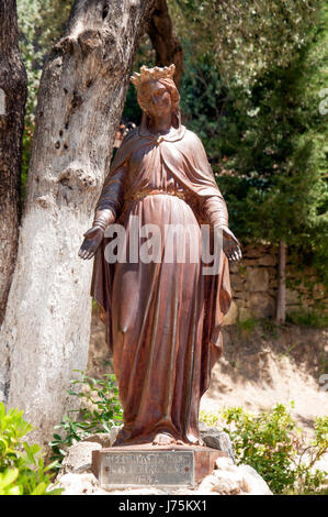 Statue of the Virgin Mary in yard of The House of the Virgin Mary, Ephesus, Turkey - Stock Image