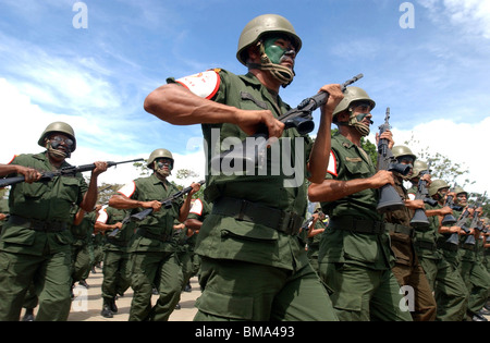 Army reservists march in a military parade in Valencia, Venezuela, June 24, 2006. Photo/Chico Sanchez - Stock Image