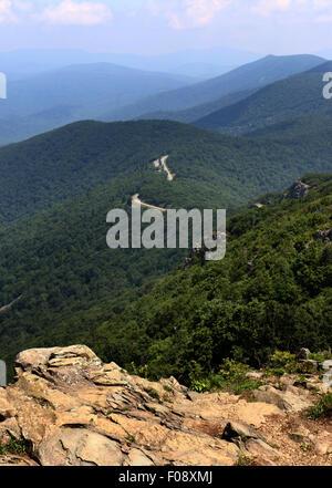 Skyline drive and rocks Shenandoah National Park, Blue Ridge Mountains - Stock Image