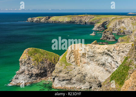 A sunny spring day at the Bedruthan Steps in Cornwall, England - Stock Image