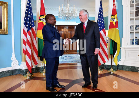 U.S. Secretary of State Rex Tillerson shakes hands with Mozambique President Filipe Jacinto Nyusi before their bilateral - Stock Image
