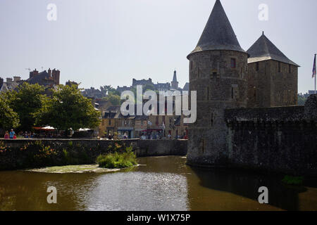 Entrance to the castle at Fougéres looking back towards the town - Stock Image