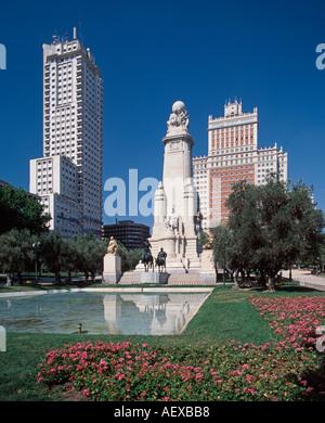 Europe Spain Madrid Plaza de Espana Don Quichotte and Sancha Pansa cervantes monument - Stock Image