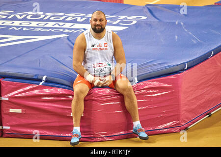 Glasgow, UK. 1st Mar, 2019. Michal Haratyk wins gold in shot put on European Athletics Indoor Championships 2019. Credit: Pawel Pietraszewski/Alamy Live News - Stock Image