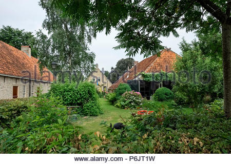 Buildings and residential garden at Vesting Bourtange, the star-shaped fortress in Groningen Province, The Netherlands - Stock Image