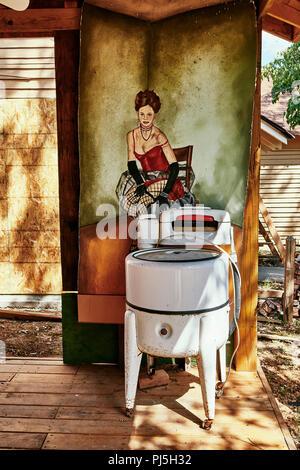 Old antique rustic ringer washing machine or wringer washer. - Stock Image