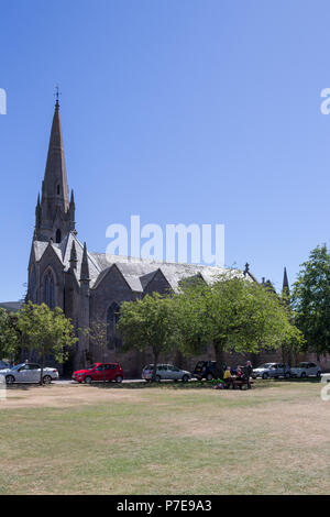 Glenmuick Parish Church in the centre of Ballater, Aberdeenshire, UK. - Stock Image
