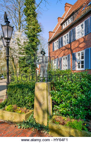 Statue dedicated to the 'die Kivelinge' — the young, unmarried youth of Lingen (Ems) who defended that walled - Stock Image