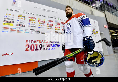 Bratislava, Slovakia. 18th May, 2019. Forward Milan Gulas arrives for an official photographing of the Czech national ice hockey team at the 2019 IIHF World Championship in Bratislava, Slovakia, on May 18, 2019. Credit: Vit Simanek/CTK Photo/Alamy Live News - Stock Image