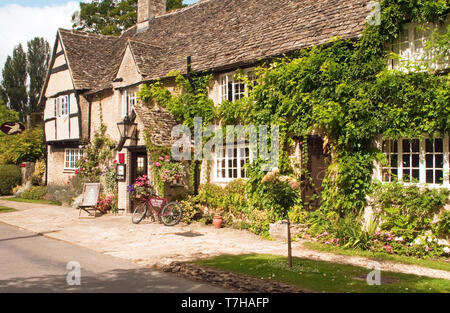The Old Swan Inn at Minster Lovell Cotswolds Oxfordshire, England - Stock Image