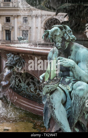 City Hall building (Rathaus) and inner courtyard fountain, Altstadt district, Hamburg, Germany - Stock Image