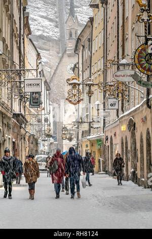 Getreidegasse pedestrian mall in a snow day, Salzburg, Austria - Stock Image
