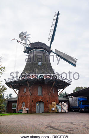 Windmill in Lintig, Geestland, a village in Landkreis Cuxhaven, northern Germany - Stock Image