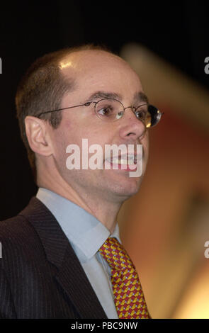 Simon Thomas MP for Ceredigion speaking at the Plaid Cymru Spring Conference 2002 in Swansea, South Wales, UK - Stock Image