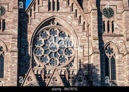 Strasbourg, Alsace, France, St Paul protestant church, rose window, Neustadt district, - Stock Image