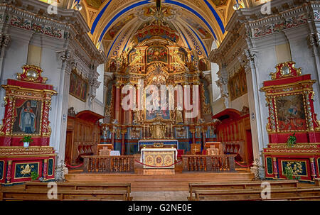 The beautiful altar in Saint Nicolas de Veroce in the french alps - Stock Image