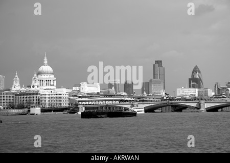 London skyline along the Thames - Stock Image
