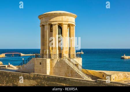 Siege Bell Memorial Lower Barrakka Gardens, Valletta, Malta - Stock Image