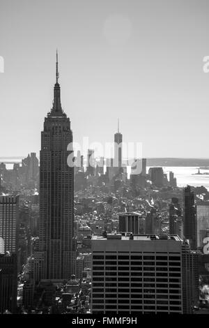 Empire State Building seen from Rockefeller Plaza - Stock Image