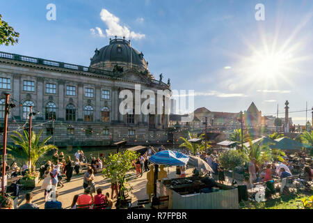 Spree, Strandbar Mitte , beach bar, open air dance,  Berlin, - Stock Image