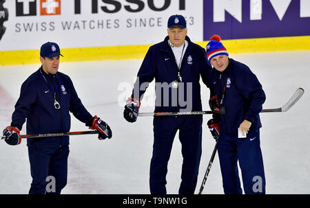 Bratislava, Slovakia. 20th May, 2019. Head coach Milos Riha, centre, and his assistants Karel Mlejnek, left, and Robert Reichel attend a training session of the Czech national team prior to tomorrow's match against Switzerland at the 2019 IIHF World Championship in Bratislava, Slovakia, on May 20, 2019. Credit: Vit Simanek/CTK Photo/Alamy Live News - Stock Image