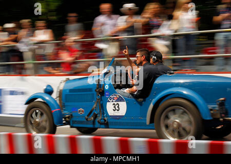 Brescia, Italy. 18th, May 2017.  Juan Tonconogy and Guillermo Berisso from Argentina, parting from Brescia  to Padua (Norther-Italy) with their model  - Stock Image