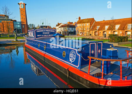 The baguette barge is a converted narrow boat permanently moored in the Bancroft basin in Stratford upon Avon, and - Stock Image
