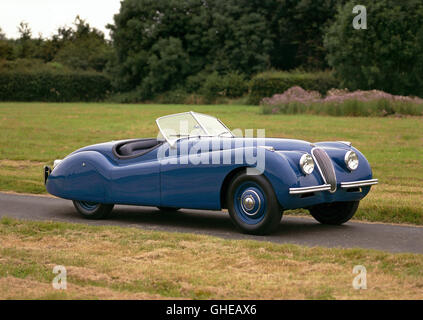 1948 Jaguar XK120 Roadster 2 door 2 seater 3 4 litre Inline 6 DOHC engine developing 160bhp Country of origin United - Stock Image