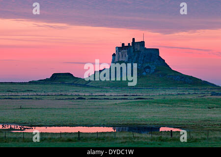A view toward Lindisfarne castle. - Stock Image