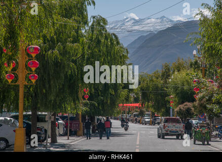 Main street of Sangri, eastern Tibet, China - Stock Image