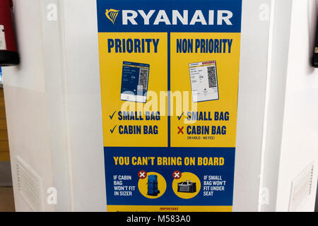 Ryanair new 2018 Cabin Baggage Rules, Hand Luggage size checker. Baggage measuring stand. Carry-on sizer with Ryan - Stock Image