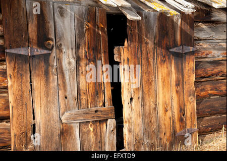 Winter Old Wooden Barn Landscape - Stock Image