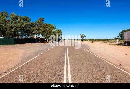 The Road to Uluru-Kata Tjuta National Park, Northern Territory, Australia - Stock Image