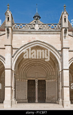 Entrance porch to Cathedral of Notre Dame or Basilique Collégiale Notre Dame Beaune France built in Romanesque and Gothic styles 11th to 15th century - Stock Image