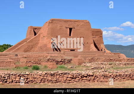 Post Pueblo Revolt (1680) replacement church built in 1717 on a smaller scale, but made to last, Pecos National Historical Park, New Mexico, USA - Stock Image