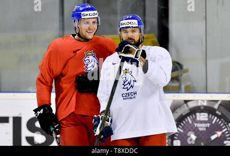 Bratislava, Slovakia. 15th May, 2019. Czech players L-R Radek Faksa and Milan Gulas attend a training session of the Czech national team within the 2019 IIHF World Championship in Bratislava, Slovakia, on May 15, 2019, one day prior to the match against Latvia. Credit: Vit Simanek/CTK Photo/Alamy Live News - Stock Image