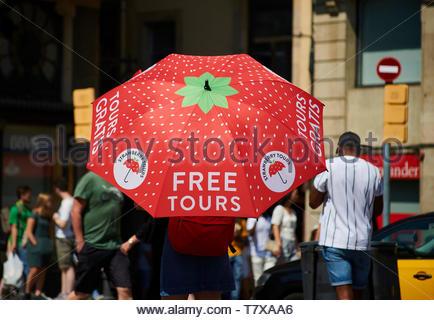 Free tours umbrella on La Rambla Street in the City of Barcelona in Catalunya in Spain in Europe - Stock Image