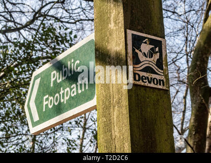 Public footpath with Devon sign. - Stock Image