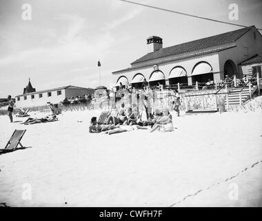 View of Southampton Bathing Corporation with sunbathers, Southampton, New York, 1953 - Stock Image