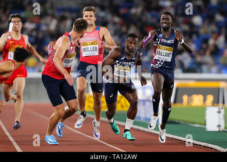 YOKOHAMA, JAPAN - MAY 12: Thomas Jordier and Ludvy Vaillant of France in the B final of the mens 4x400m  during Day 2 of the 2019 IAAF World Relay Championships at the Nissan Stadium on Sunday May 12, 2019 in Yokohama, Japan. (Photo by Roger Sedres for the IAAF) - Stock Image