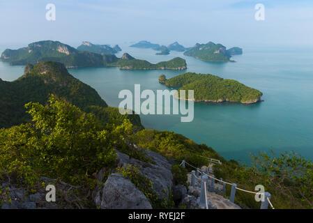 Natural trail in Ko Wua Ta Lap, Ang Thong national marine park, Thailand - Stock Image