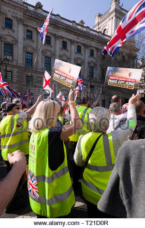 London, UK. 29th Mar 2019. Protesters gather outside Parliament to demonstrate against the delay to Brexit on the day the UK should be leaving the EU Credit: John Gaffen/Alamy Live News - Stock Image