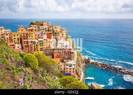 Aerial view of Vernazza fishing village at sunset, seascape in Five lands, Cinque Terre National Park, Liguria, - Stock Image