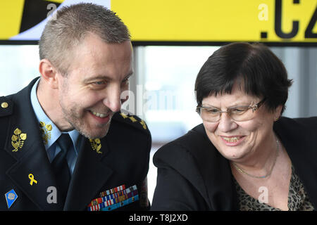 Prague, Czech Republic. 14th May, 2019. Prison Service head Petr Dohnal, left, and Justice Minister Marie Benesova attend a press conference on the 4th Yellow Ribbon Run in Prague, Czech Republic, on Tuesday, May 14, 2019. Credit: Ondrej Deml/CTK Photo/Alamy Live News - Stock Image