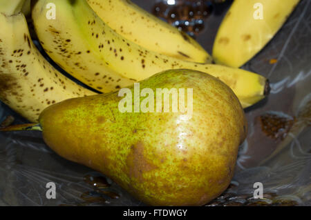 fruit bowl, pair banana - Stock Image